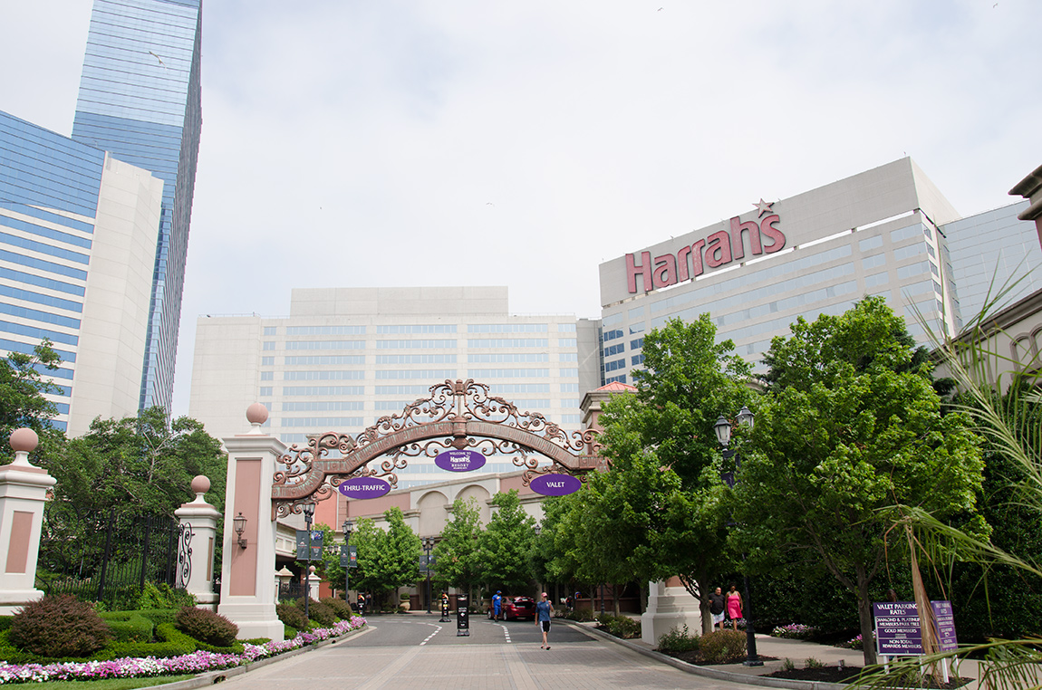 Harrahs Hotelresort Is The Best Place To Stay At Atlantic City In 2018